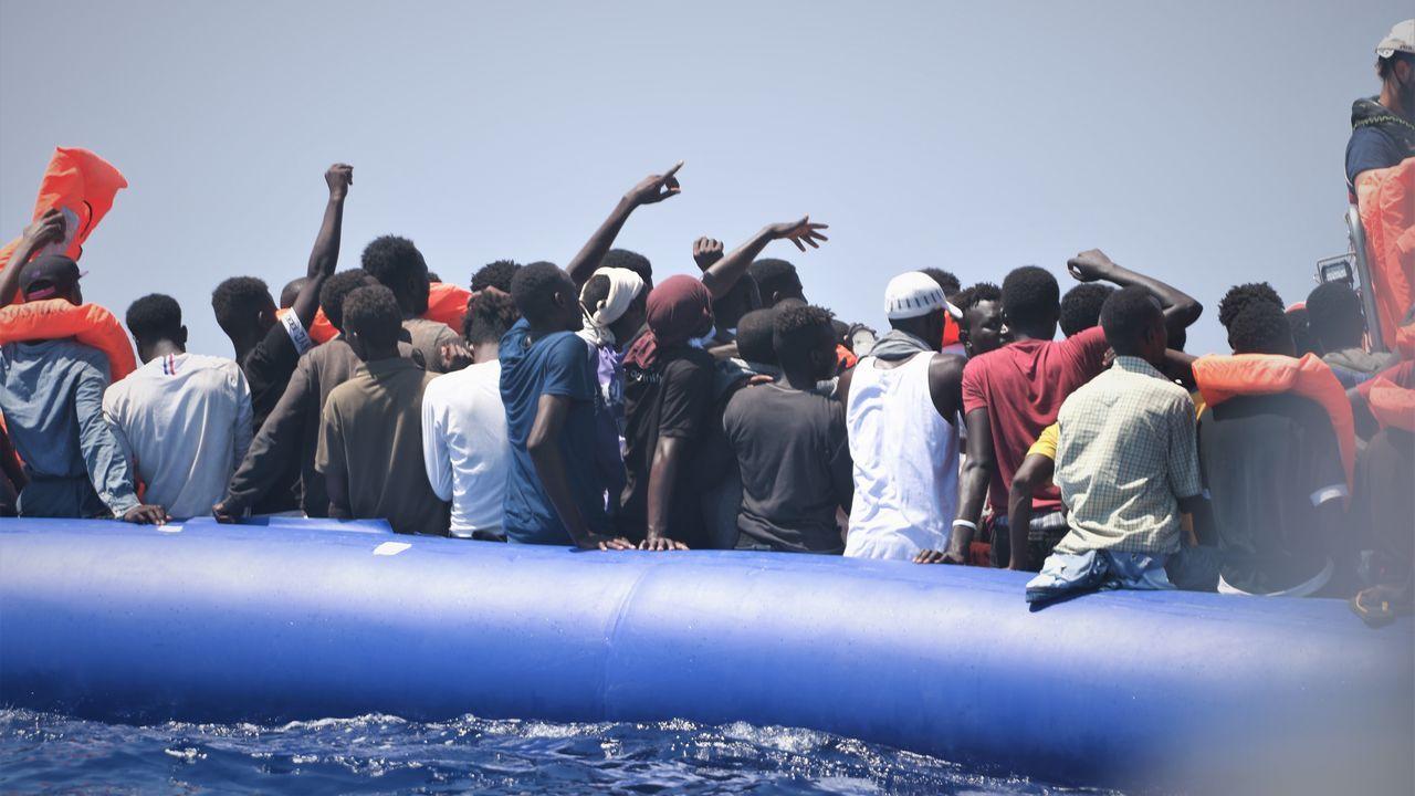 El Ocean Viking  ha rescatado a 356 migrantes, entre ellos 103 menores de edad