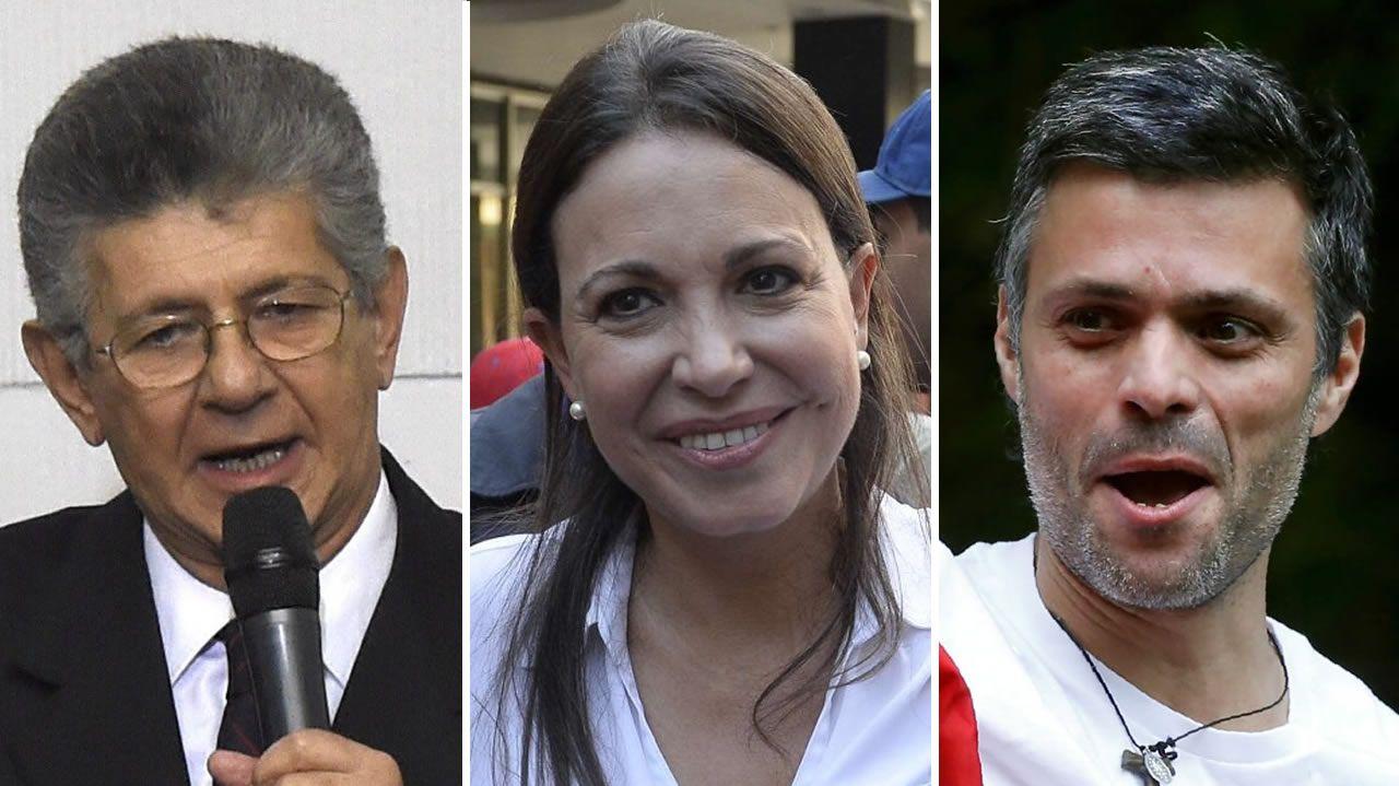 De izquierda a derecha, Henry Ramos Allup, en su día un destacado militante del chavismo; Corina Machado, que lidera la línea socialdemócrata; y Leopoldo López, el líder opositor, que se encuentra en prisión domiciliaria, tiene en Guaidó a su delfín