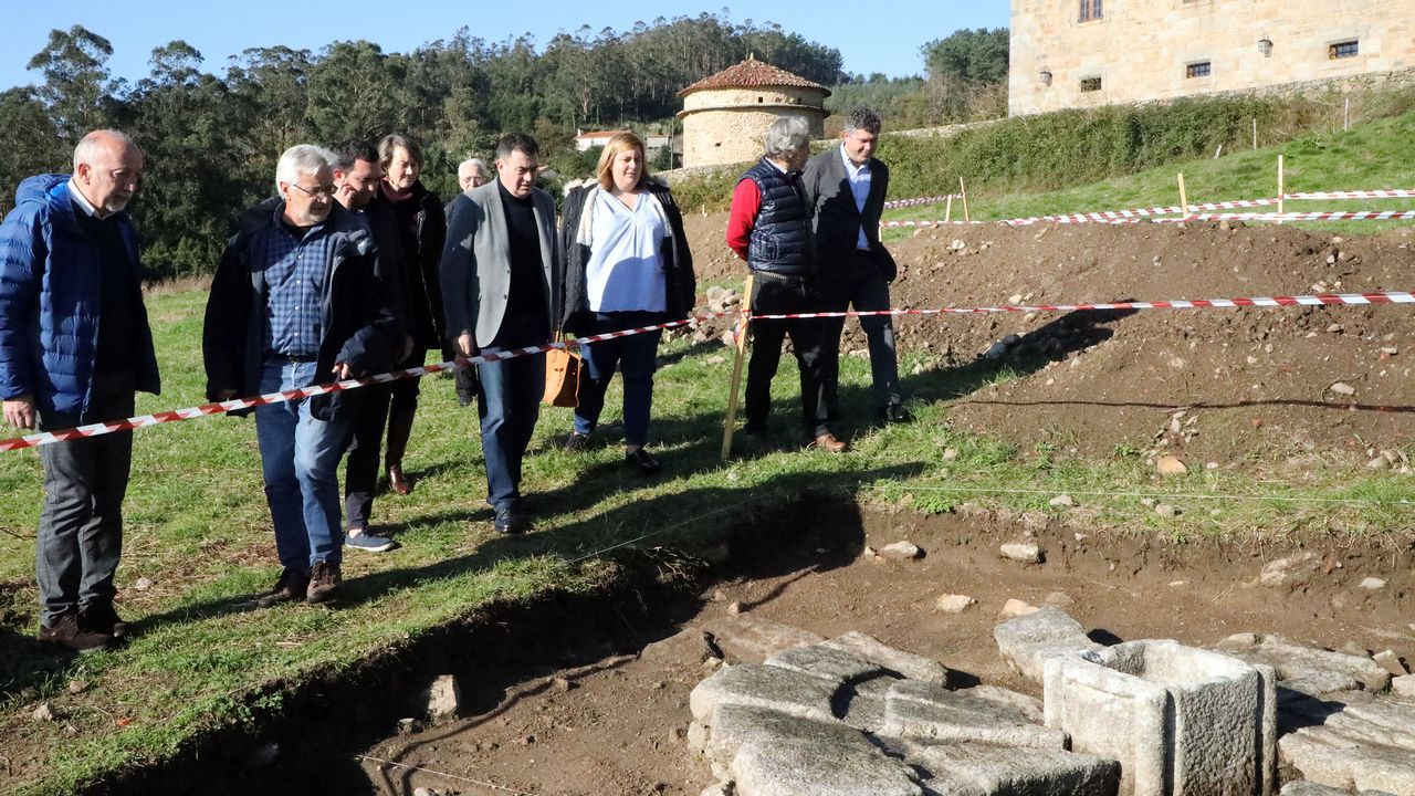 Culturgal: a festa da cultura galega.Meixide recibiu o premio de mans de Palmou e xunto ao conselleiro de Cultura