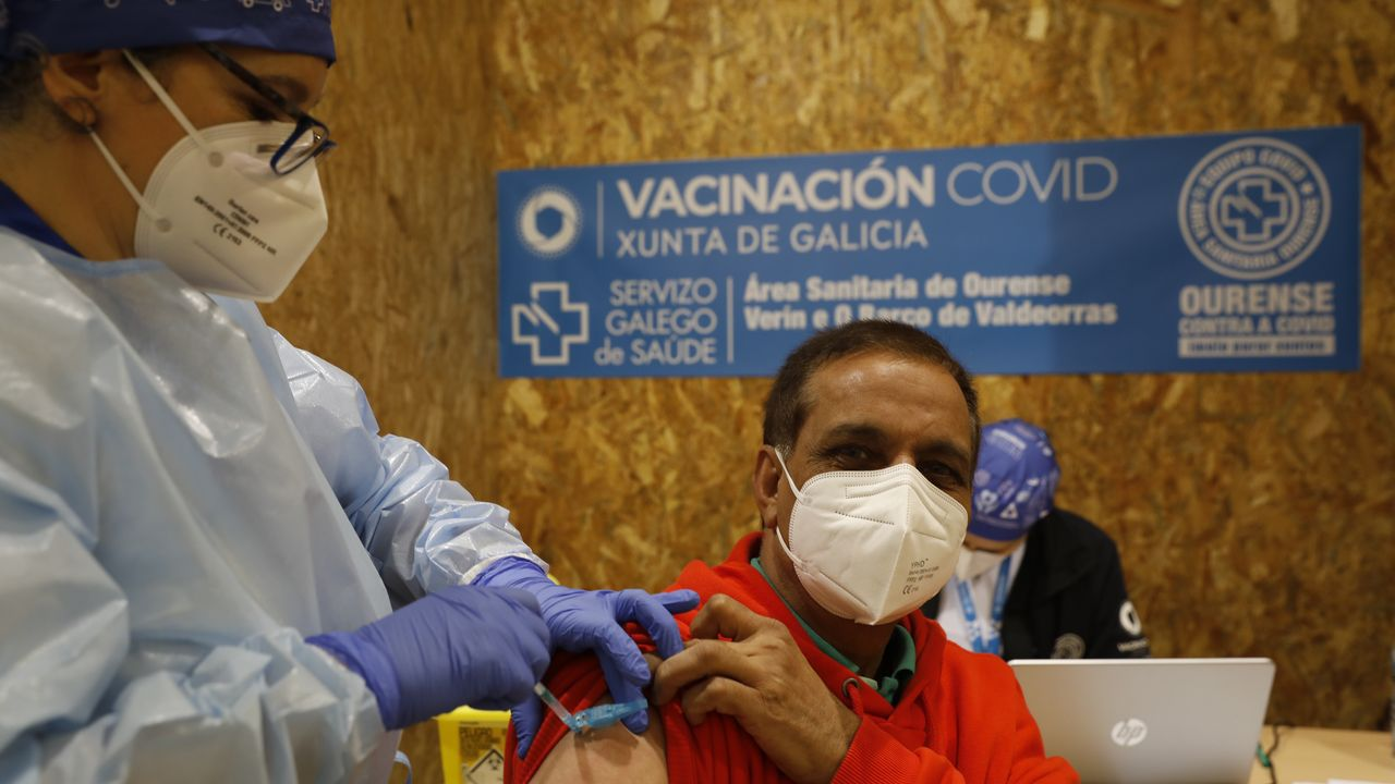 Vacunación masiva en Expourense