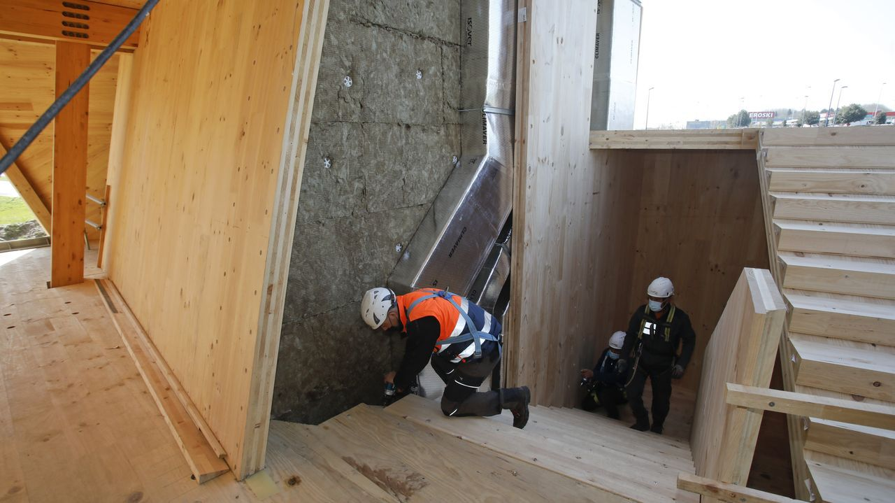 Al tiempo que se construye la estructura se instala la climatización