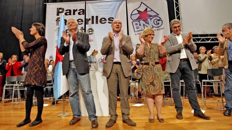 A Coruña: Jorquera inicia la campaña electoral del BNG con la pegada de carteles
