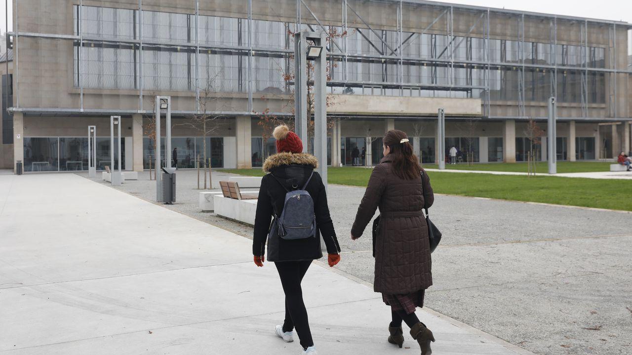 Biblioteca Pública de Ourense.Al contar con más espacio se pueden exponer mejor los fondos disponibles.
