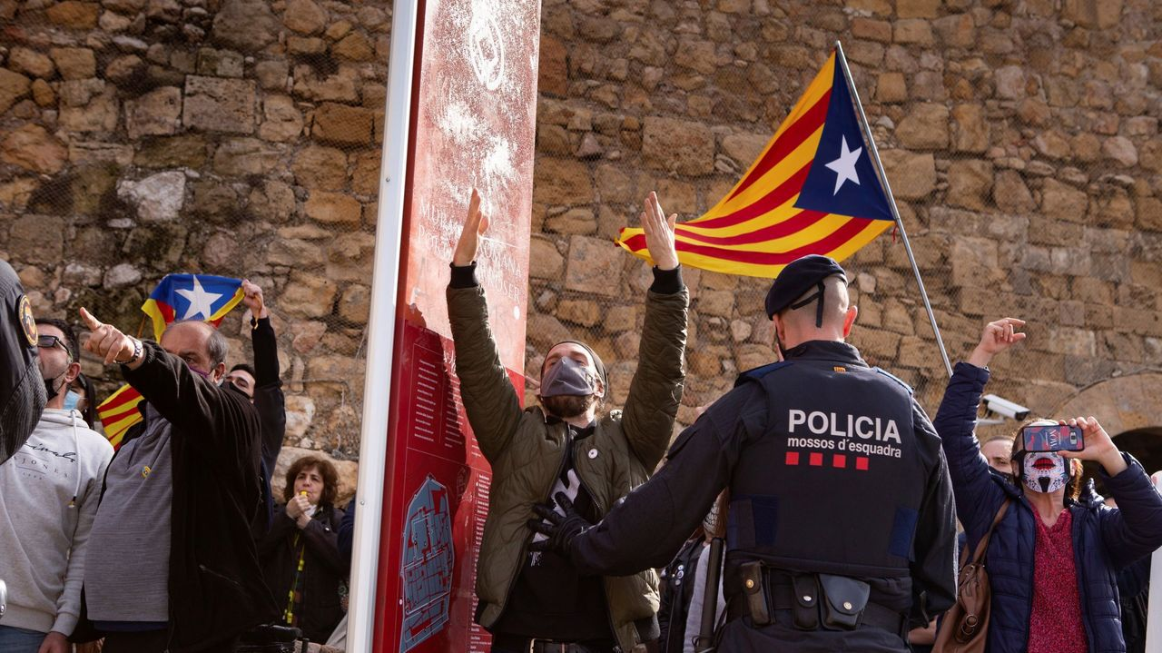 hosteleria.Grupos de independentistas se manifiestaron contra un mitin que Vox organizó el pasado fin de semana en Tarragona