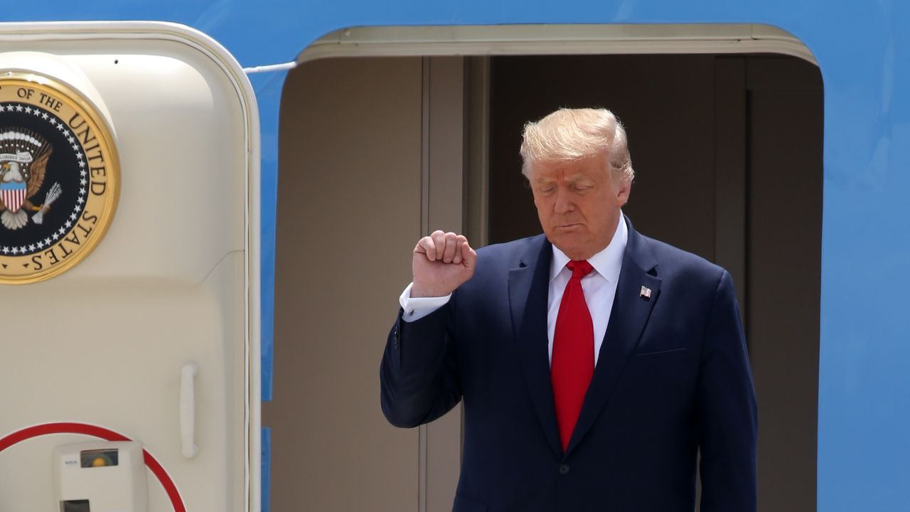 Trump, a su llegada para visitar el Comando Sur de las Fuerzas Armadas con sede en Florida