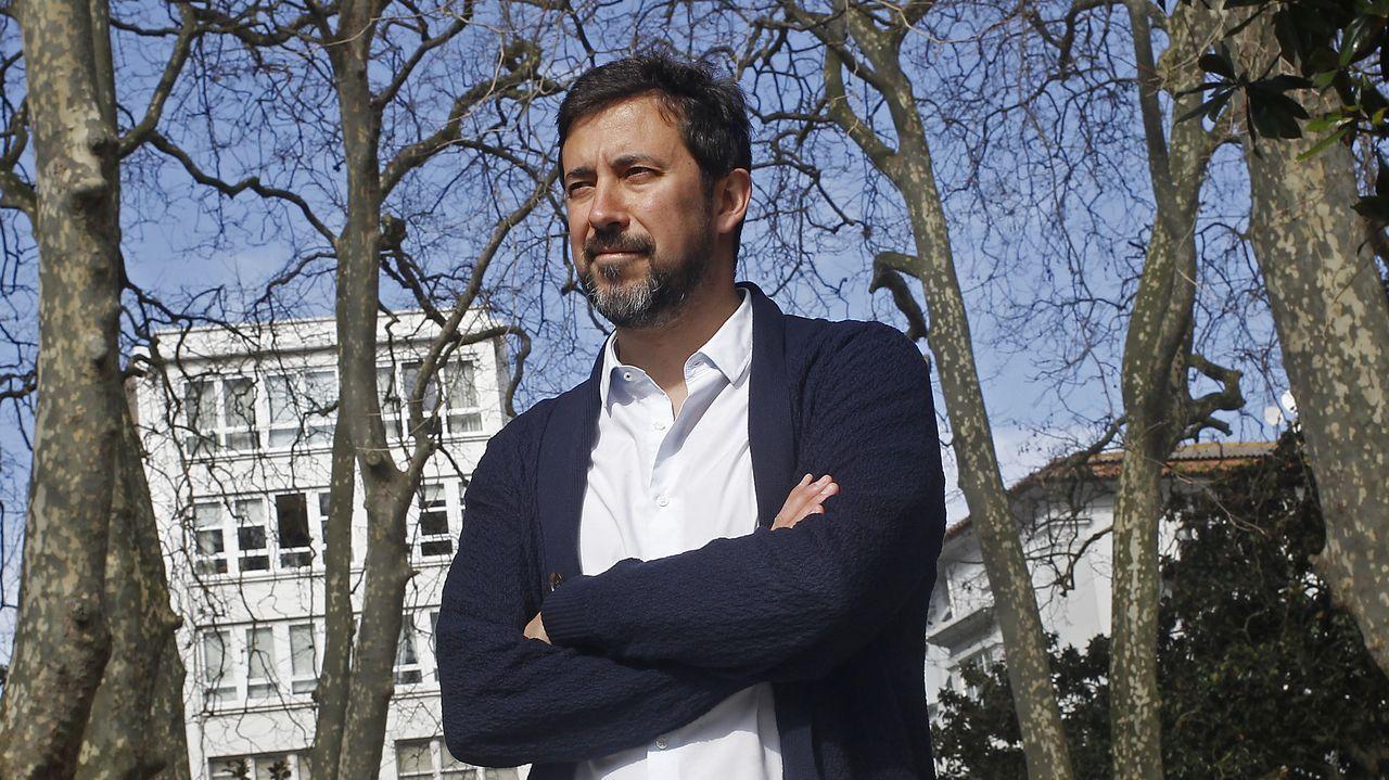 El BNG propone 40 medidas: blindar Galicia, eliminar cuotas a autónomos y reforzar la prevención de violencia machista.Antón Gómez-Reino, candidato de Podemos a presidir la Xunta de Galicia, en A Coruña
