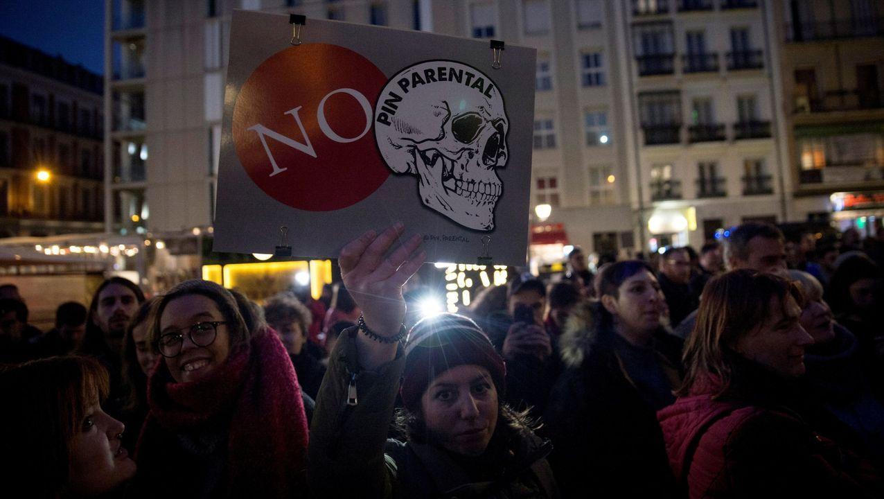Concentración contra el permiso de los padres organizada el pasado jueves 23 en la madrileña plaza Pedro Zerolo bajo el lema «Contra el pin parental»