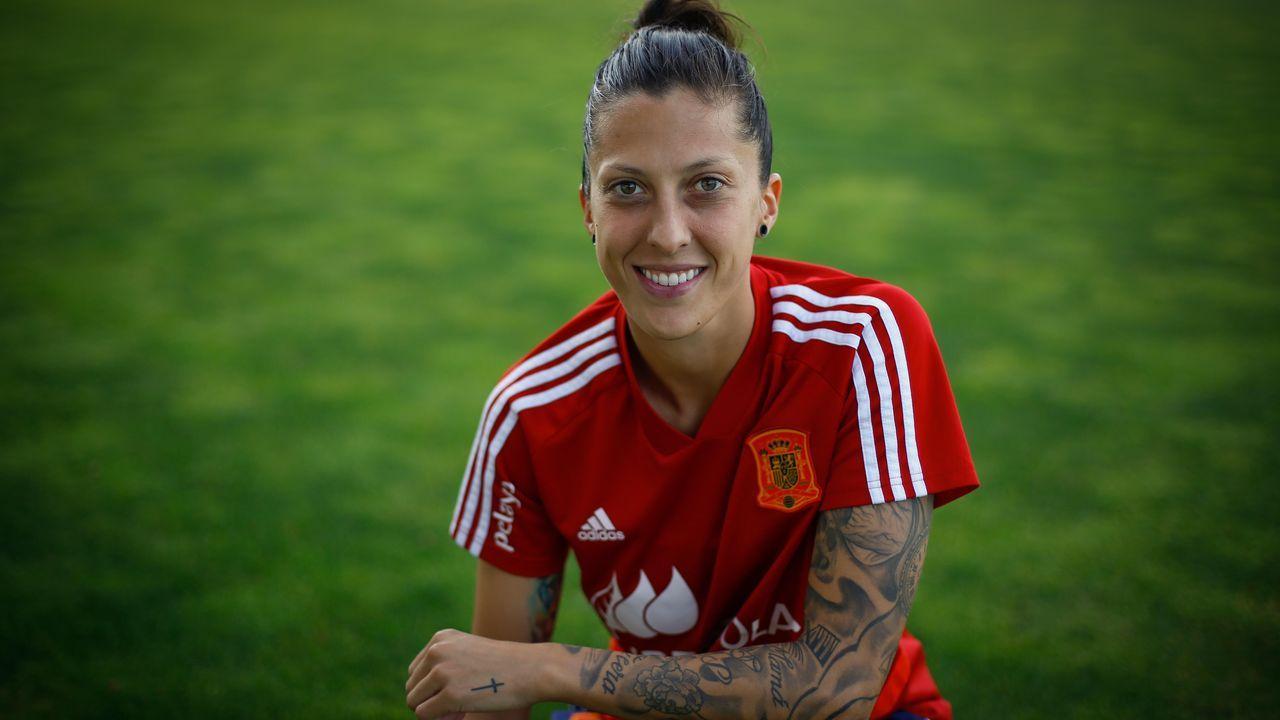 Jenni Hermoso: «Tengo la suerte de que puedo vivir del fútbol»
