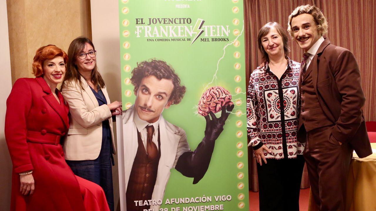 El jovencito Frankenstein, el nuevo musical de Vigo.Inés, primera por la izquierda
