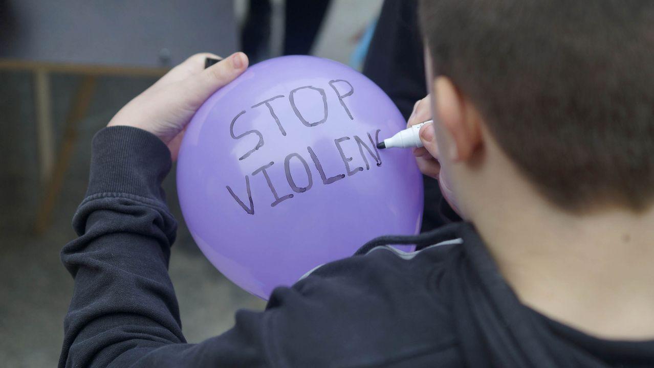 La marea violeta toma las calles en vísperas del día contra las violencias.Protestas en Asturias por la sentencia de la Manada