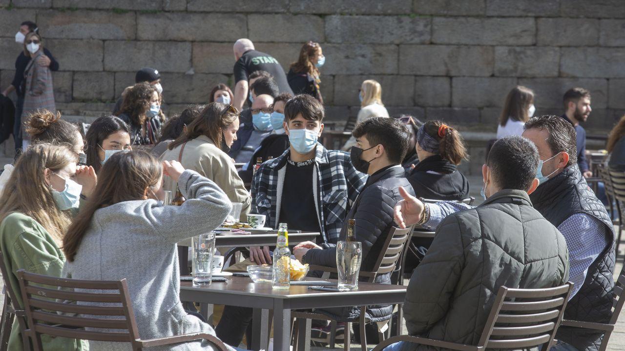 Imágenes de terrazas en el casco histórico de Santiago