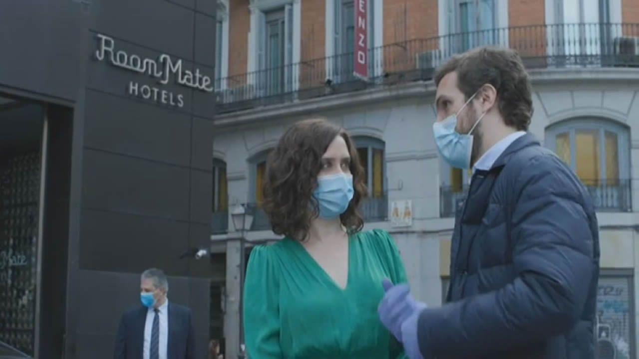 Colas en los juzgados de Vigo.Ayuso y Aguado, antes del comienzo de la sesión de control al Ejecutivo regional en la Asamblea de Madrid