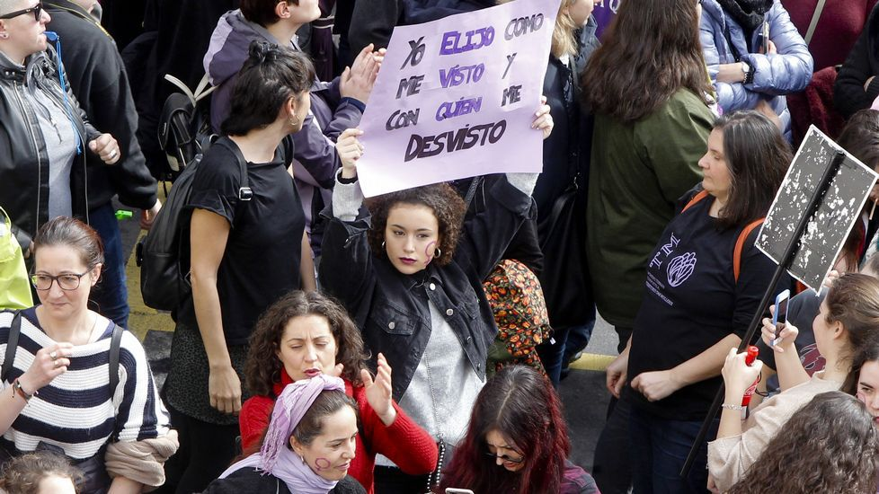 La alcaldesa de Porriño insulta a un concejal en el pleno.Movilizaciones en Monforte, el pasado mes de marzo, con motivo del día de la mujer