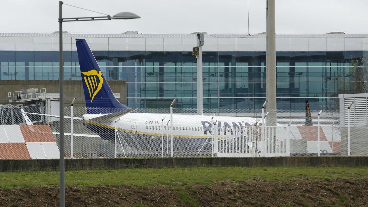 Aterrizaje milagrosoen Rusia.Un avión de Ryanair en Lavacolla, en una imagen de archivo