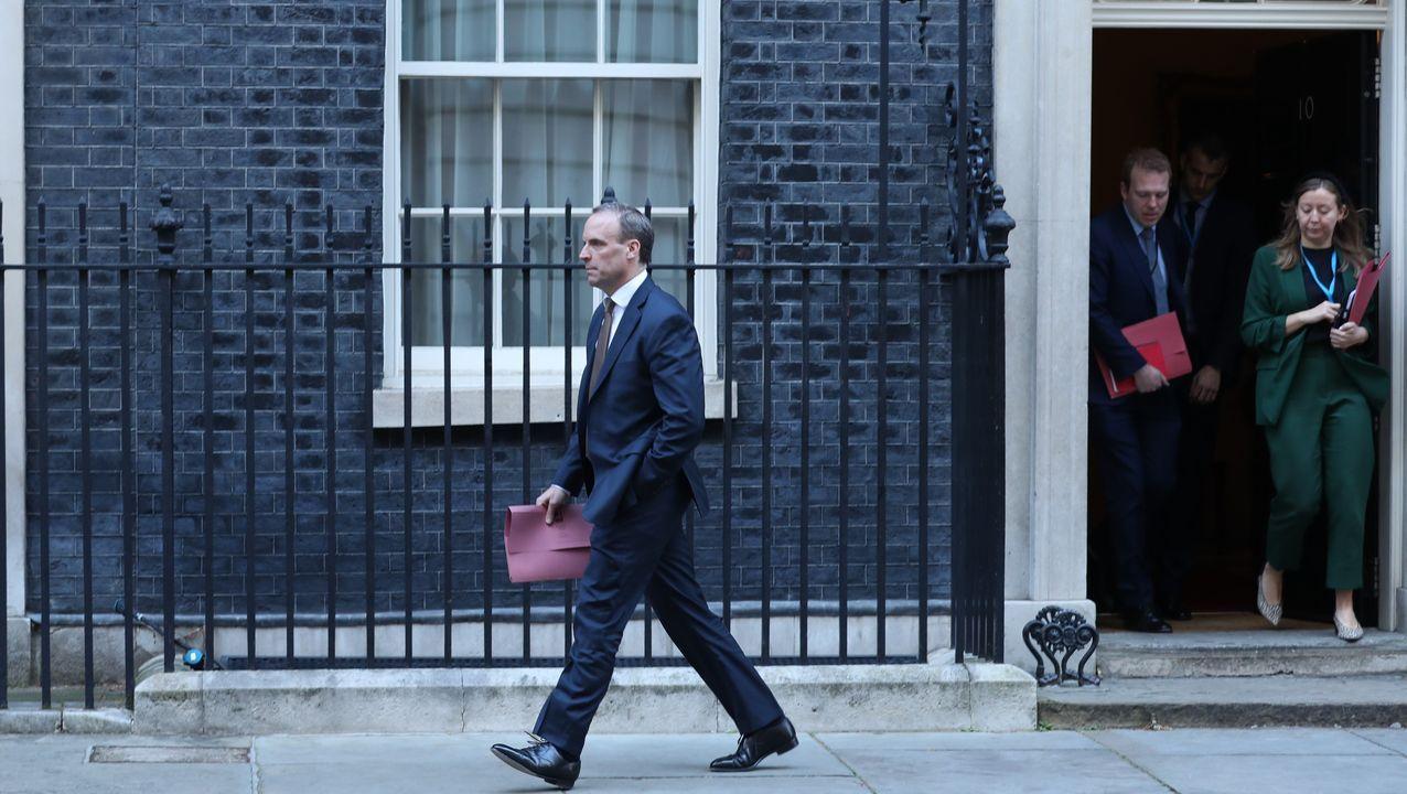 Boris Johnson, positivo en coronavirus.El ministro de Exteriores de Reino Unido, Dominic Raab, a su salida de Downing Street