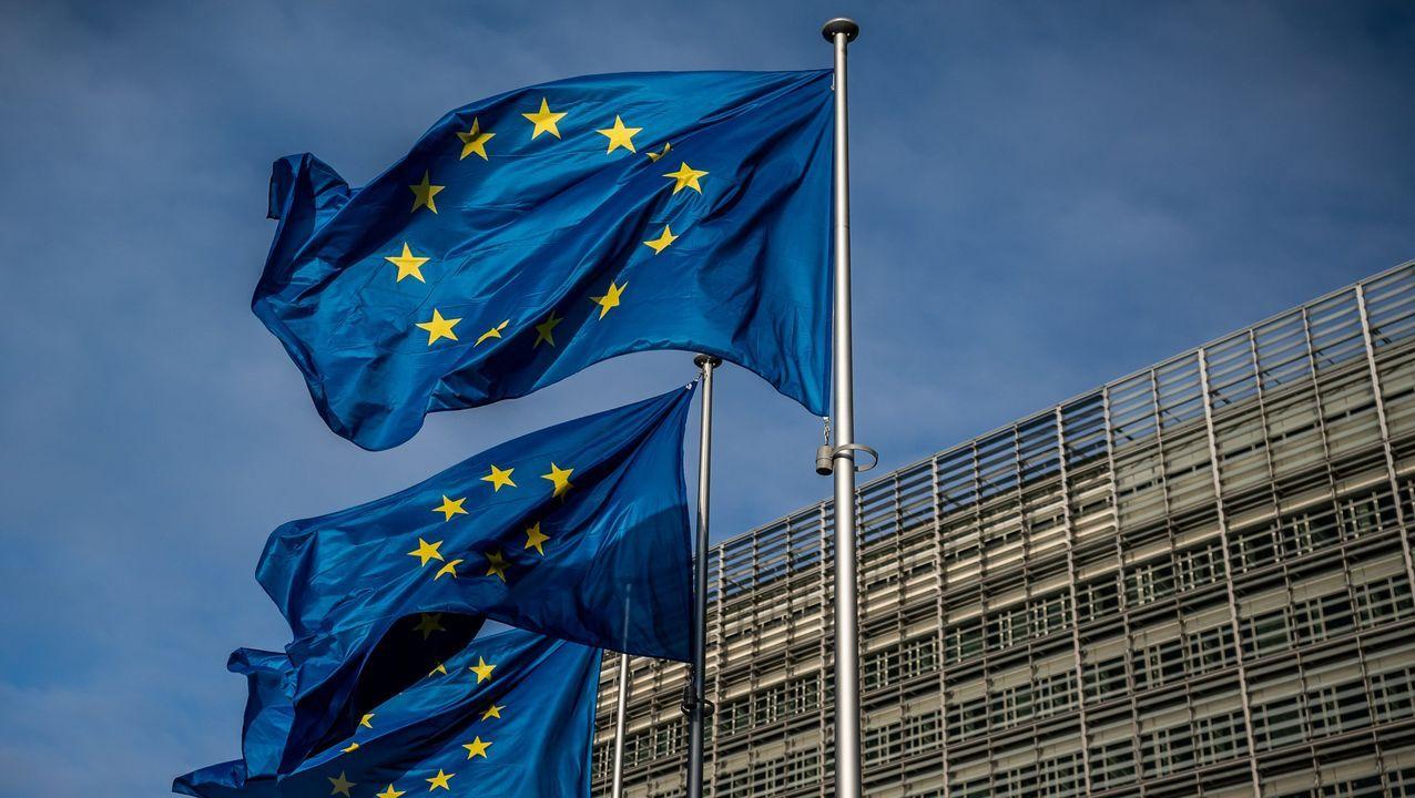 Retirada de la bandera británica de Bruselas al materializarse el brexit el 31 de enero