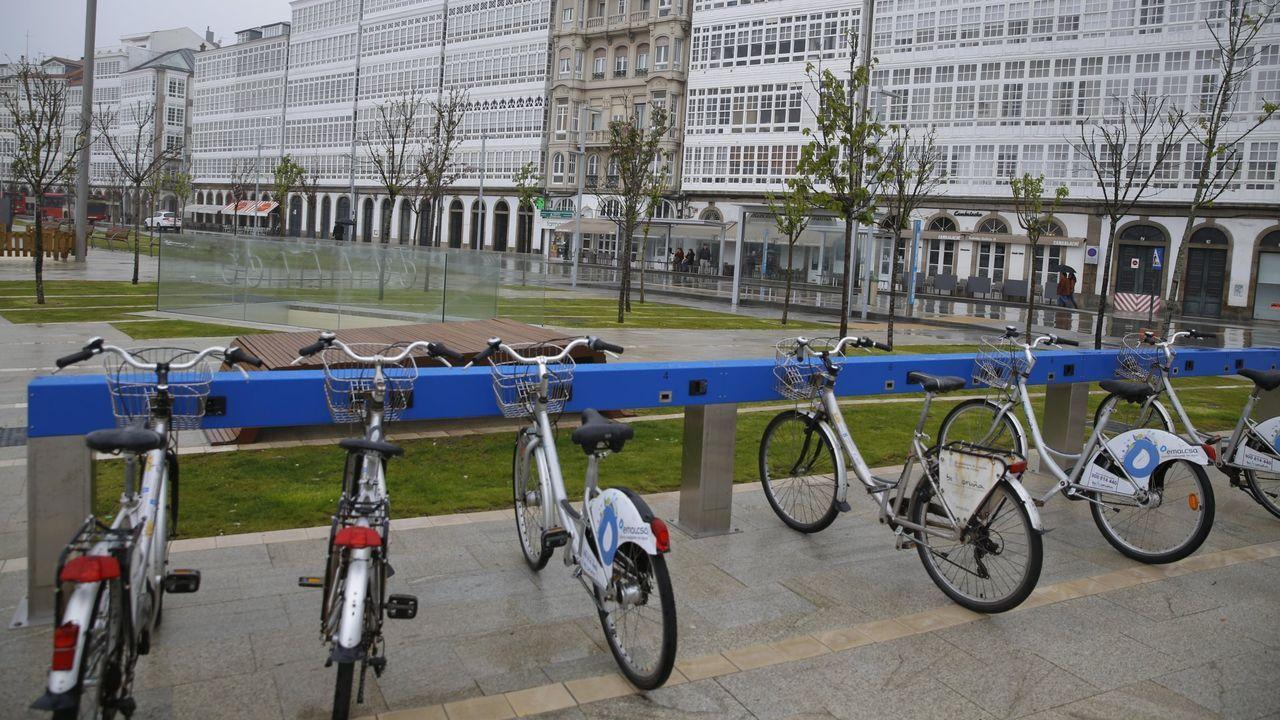 Imagen de archivo de una estación de bicicletas en Puerta Real