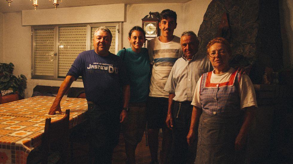 El coruñés Alejandro López adquirió una camper por tres motivos: espíritu furgonetero, agilidad y buen precio