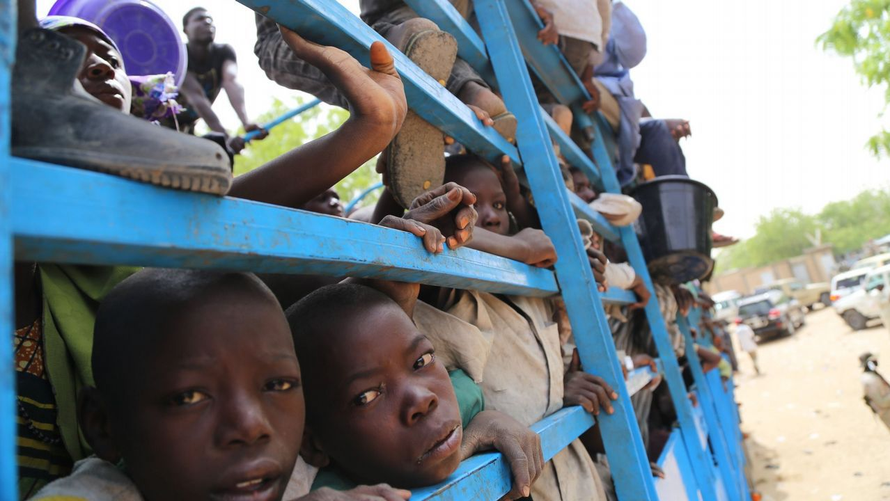 Liberan a 344 de los niños secuestrados en Nigeria.Algunas de las chicas liberadas dudan entre regresar a la guerrilla o huir al verse desplazadas en la sociedad nigeriana