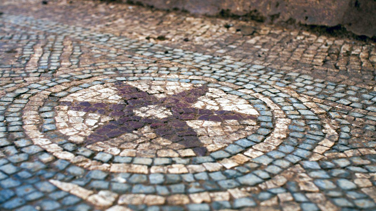 Detalle de uno de motivos del mosaico de la villa romana de La Estaca, en el concejo de Las Regueras