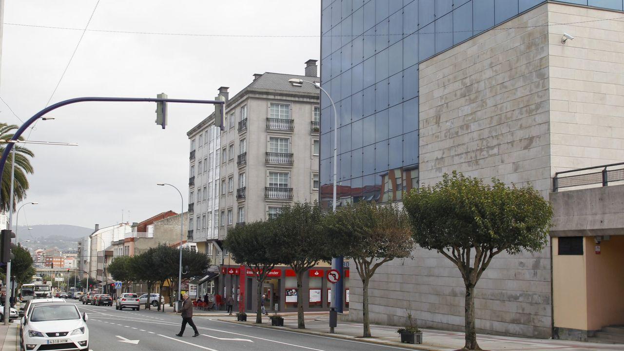 Pontevedra y O Salnés invitan a dar un paseo y descubrir sus lugares con encanto.La periodista y escritora asturiana, Rosa Valle con su nuevo poemario «Certezas al sol»