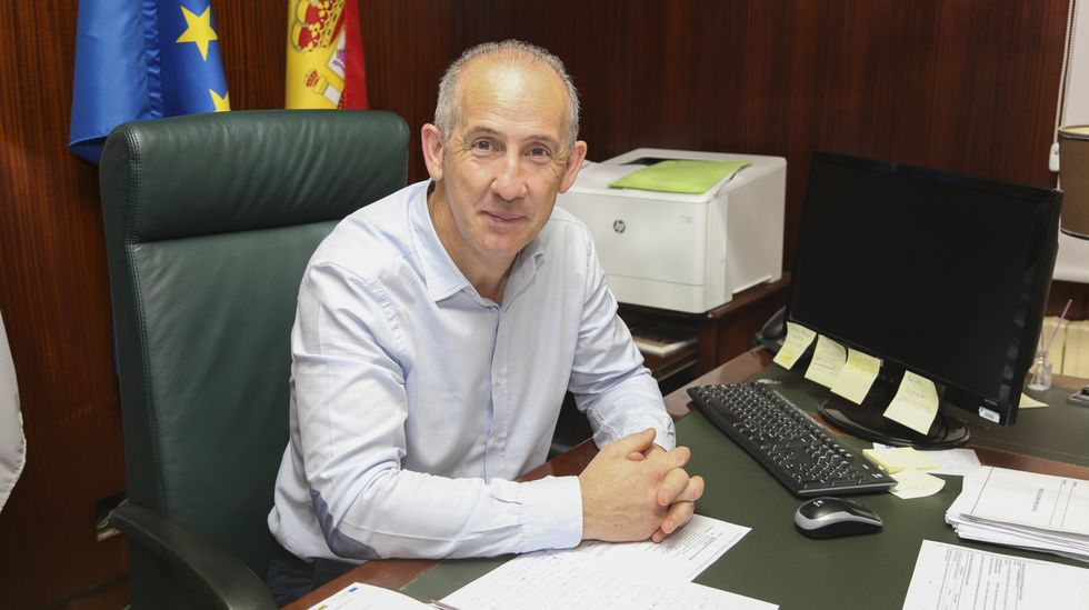 Inaugurada la nueva sede empresarial del polígono de Bértoa.Juan Carlos García, alcalde de Coristanco
