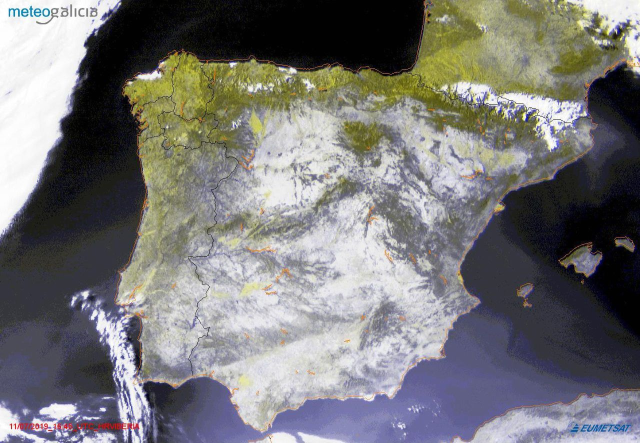 Imagen de hace unos minutos en el que se aprecian el manto de nubes sobre el noroeste