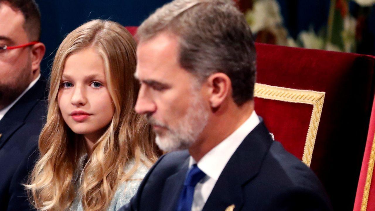 Todas las imágenes de la familia real en Asiegu.Felipe y Letizia en el concierto de los Premios Princesa de Asturias. EFE/ Ballesteros