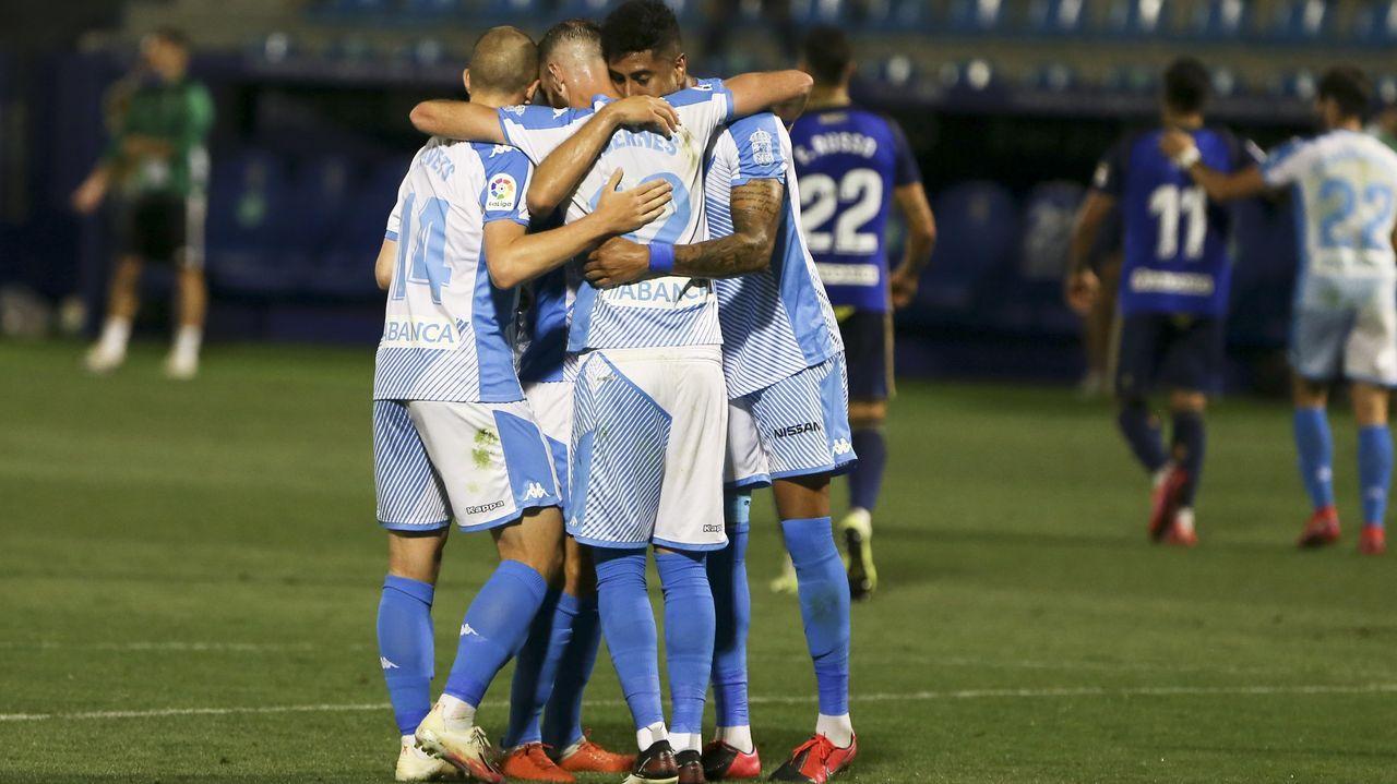 Los jugadores del Lugo celebran el triunfo ante la Ponferradina