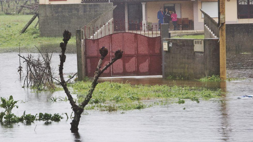 Inundaciones en Caldas por la crecida del río Umia.