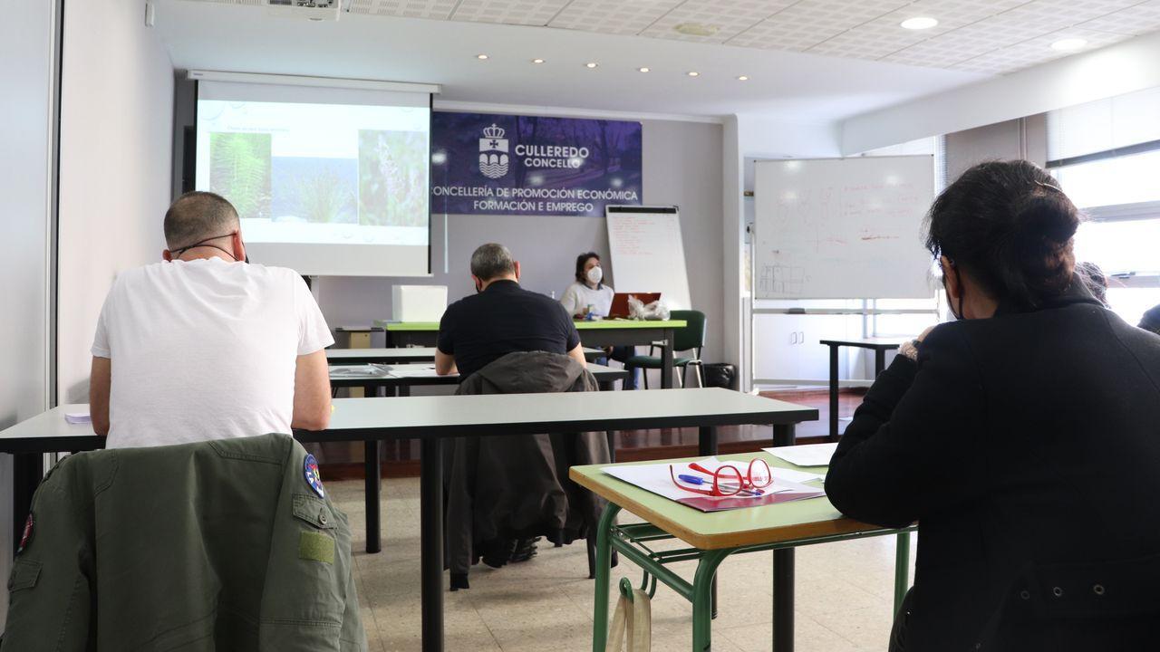 vecinos.Test del covid-19 en el centro de salud del Ventorrillo, en A Coruña