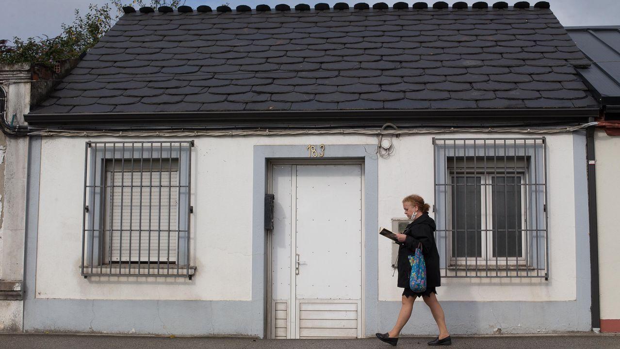 En Lugo hay barrios en los que perduran las huellas de los intentos de ocupación: accesos tapiados y candados en las puertas