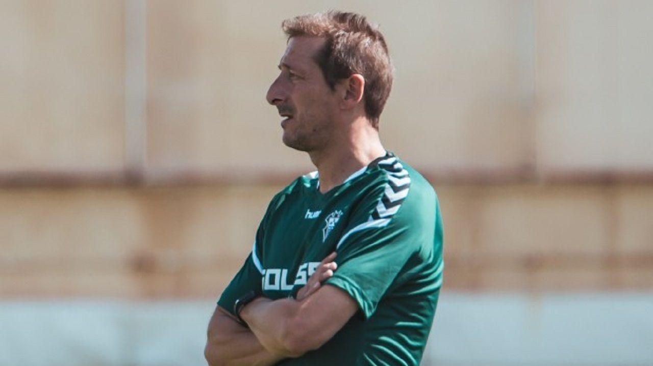 Gol Barcenas Ortuño Tejera Carlos Hernandez Jimmy Real Oviedo Numancia Carlos Tartiere.Luis Miguel Ramis