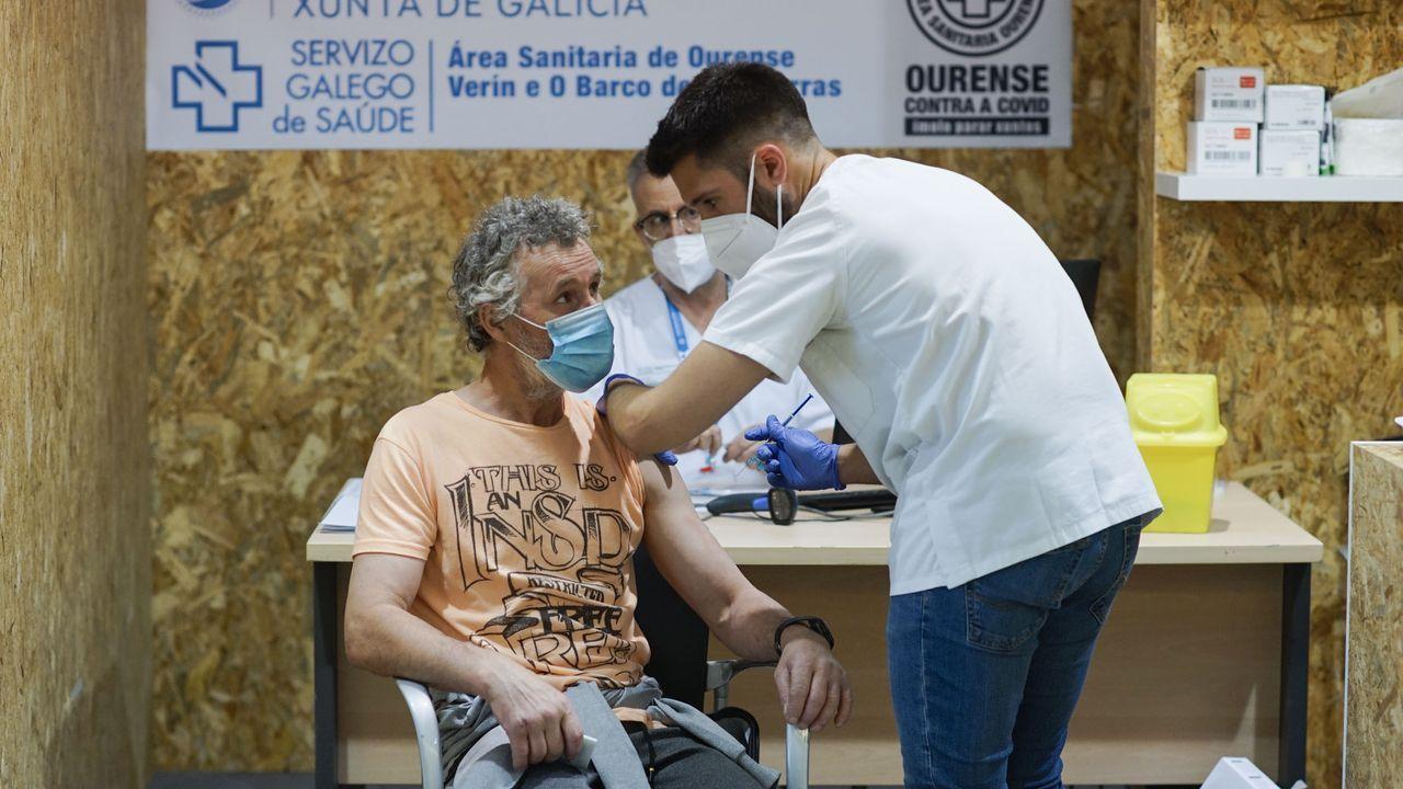 Despedida del equipo de vacunación del Paco Paz a ritmo de zumba.Vacunacion con Janssen en Ourense