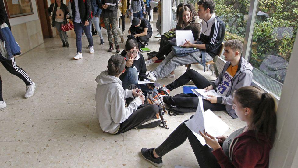 El ministerio recomienda limitar las aglomeraciones en los descansos; la CIUG ha reorganizado el horario de las pruebas precisamente por eso