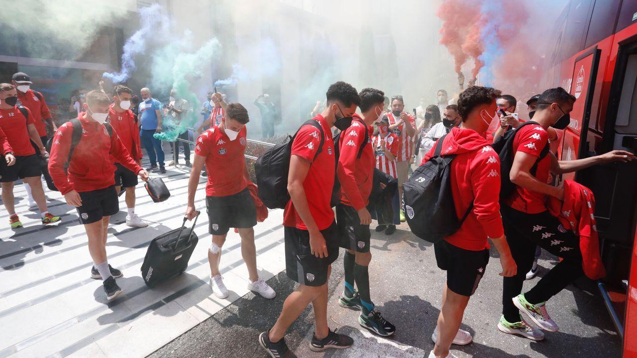 La afición despide a Cd Lugo que viaja para jugar contra el Rayo Vallecano.La afición despide al Lugo antes de emprender viaje a Madrid