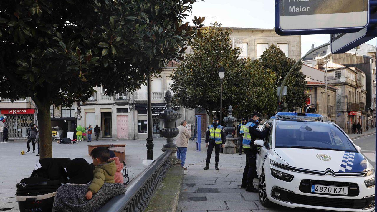 EN DIRECTO: Manifestación en Barcelona en apoyo al rapero Hasel.Controles policiales en el acceso a Pontevedra por la avenida de Lugo