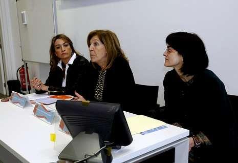 María Teresa Conde Pumpido (en el centro) inauguró ayer el curso en la sede de la Xunta.