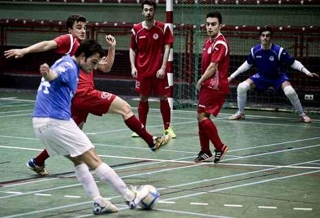 La victoria del sábado pasado por 8-3 ante el 5 Coruña situó a los estradenses líderes.