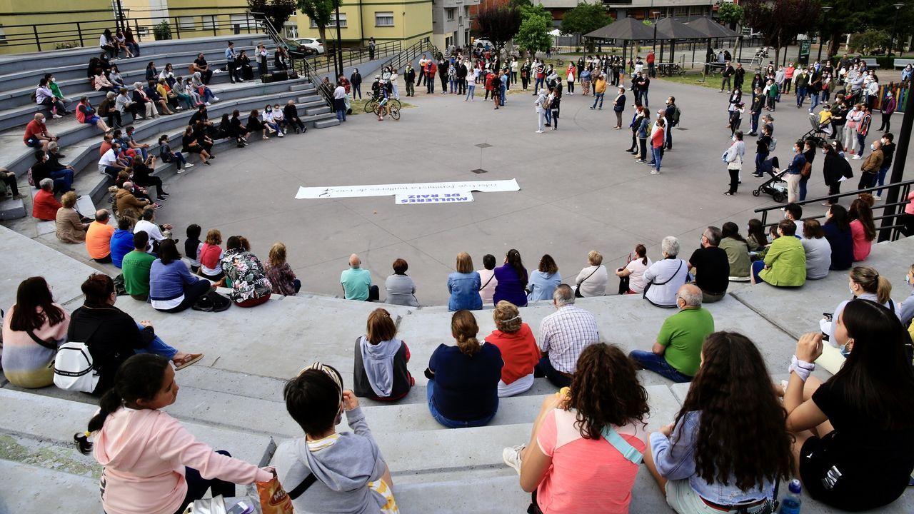 Concentración en Sarria en repulsa por una  agresión machista en As Aceas