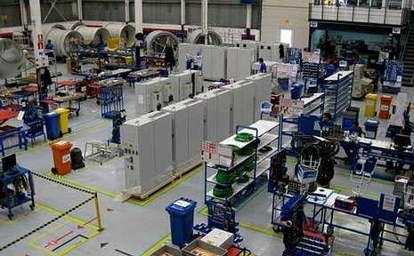 La fábrica de Alstom en As Somozas ensambla componentes electrónicos para aerogeneradores.