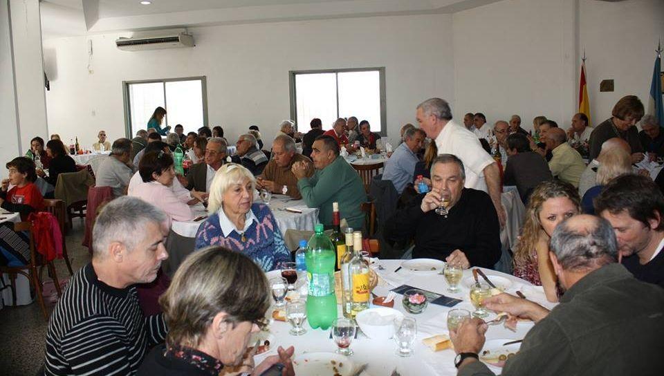 La sociedad Carbia Hoy Vila de Cruces de Buenos Aires celebró fiesta de aniversario.