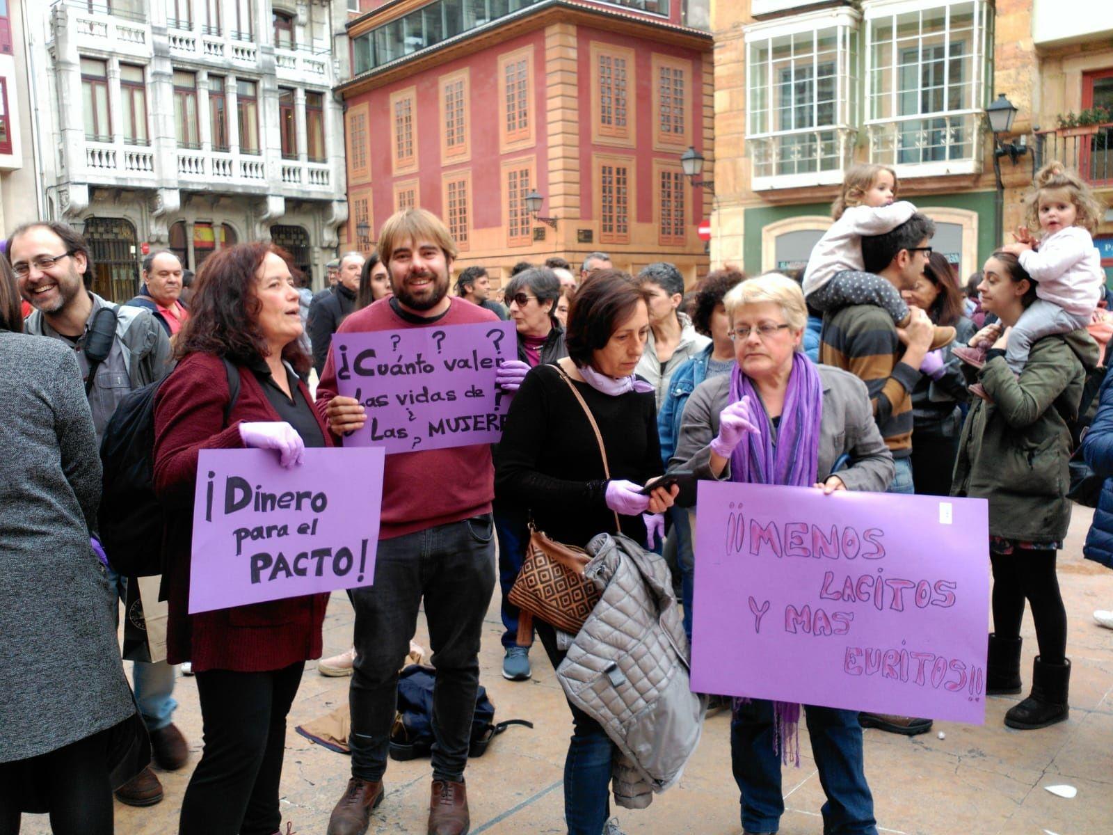 Daniel Ripa. Manifestación feminista 16M en Oviedo