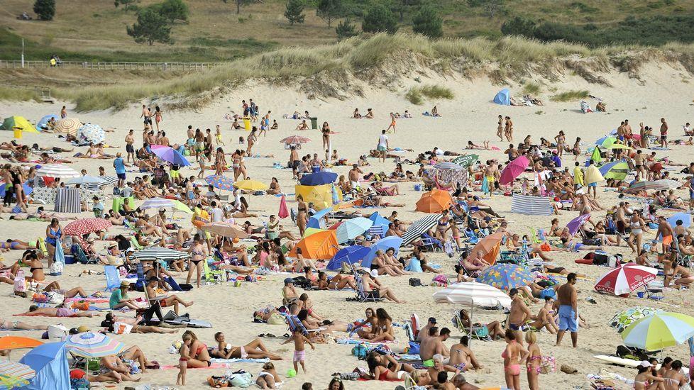 Playa de Retorta, en Boiro.Playa de Doniños, en Ferrol