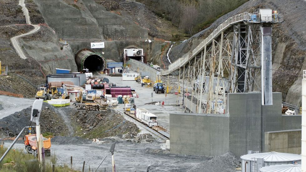 Obras del AVE en el túnel de Bolaños