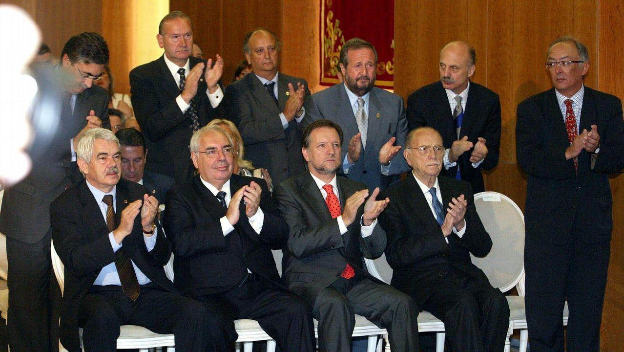 Toma de posesión como presidente de la Xunta del socialista Emilio Pérez Touriño