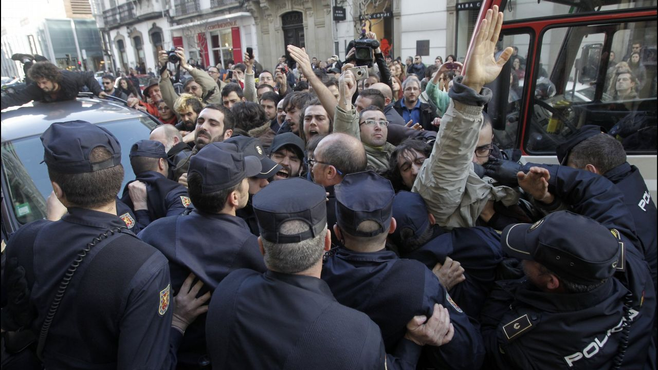 Movilización contra el desahucio de Aurelia Rey, en el 2013, en A Coruña