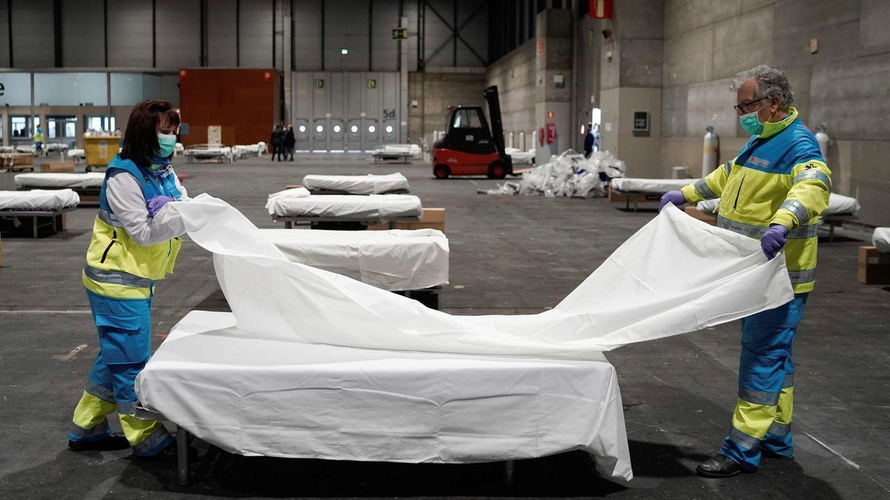 Preparativos del hospital improvisado en el recinto ferial de Madrid