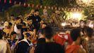 Defensores del presidente tunecino Kais Saied lo apoyan en las calles después de que destituyera al primer ministro, suspendiera la Asamblea y retirara la inmunidad parlamentaria a todos los diputados
