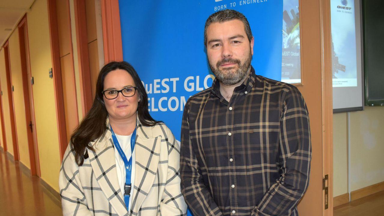 Rosalía Ramil y Albero Gundín, de la ingeniería Quest Global, explicaron a los alumnos las oportunidades de desarrollo profesional que les puede ofrecer su empresa